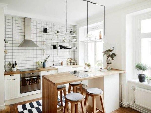 Une cuisine joliment décorée